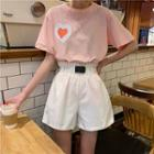 Short-sleeve Heart Printed T-shirt / Wide-leg Shorts