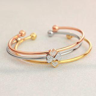 Clover 18k Gold Open Bangle