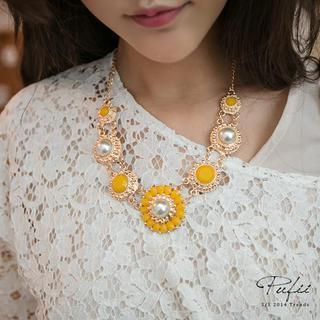 Faux-pearl Flower Necklace