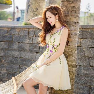 Sleeveless V-neck Rosette A-line Dress