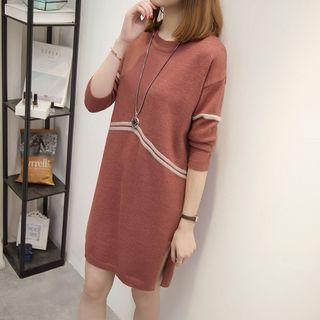 Lettering Mock-neck Knit Dress