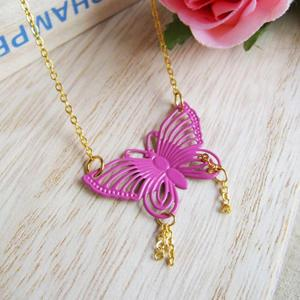 Pinky Butterfly Short Necklace