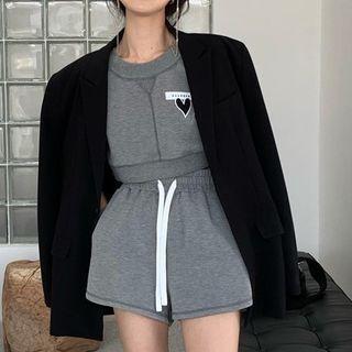 Short-sleeve Sweatshirt / Shorts
