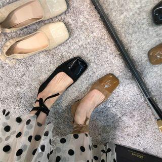 Square Toe Tie-ankle Flats