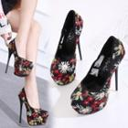 Flower Embroidered Platform Pumps