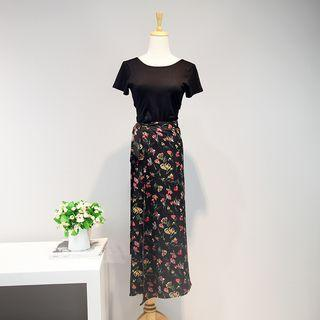Set: Short-sleeve T-shirt + Floral Midi Skirt