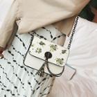 Flap Printed Twist-lock Cross Bag