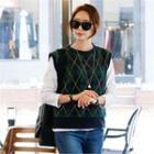 Sleeveless Argyle-patterned Knit Top