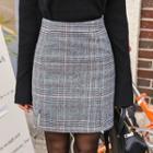 Slit-side Checked Skirt