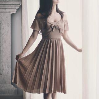 Off-shoulder Bow-accent Midi Dress
