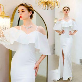Off-shoulder Ruffled Wedding Dress