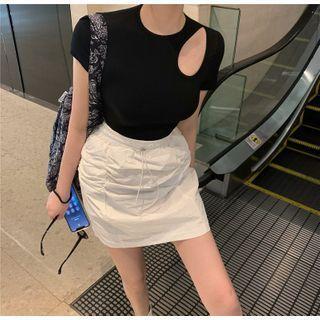 Short-sleeve Cutout Plain Top / High-waist Shirred Plain Skirt
