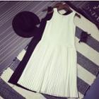 Sleeveless Pleated A-line Chiffon Dress