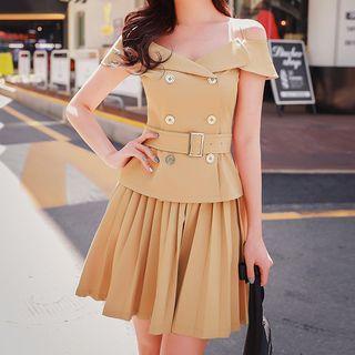 Set: Off-shoulder Short-sleeve Top + Pleated Skirt