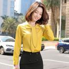 Contrast Trim Tie-neck Blouse / Ruffle Hem Midi Pencil Skirt