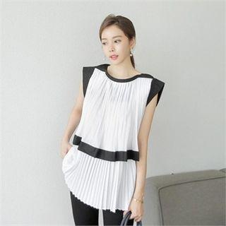 Cap-sleeve Contrast-trim Pleated Top