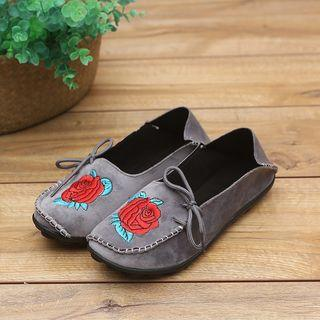 Floral Embroidery Moccasin