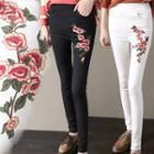 Floral Embroidered Skinny Pants