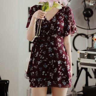 Short-sleeve V-neck Floral Chiffon Dress