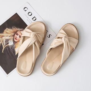 Twisted Strap Platform Sandals