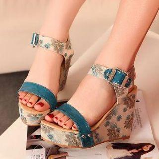 Printed Wedge Sandals