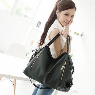 Zip-detail Shoulder Bag