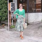 Button-detail Pattern Skirt
