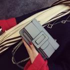 Chain Strap Buckled Shoulder Bag