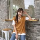 V-neck Sleeveless Contrast-trim Knit Top