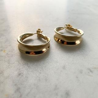 Curved Hoop Earrings Gold - One Size