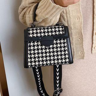 Printed Strap Hounstooth Crossbody Bag