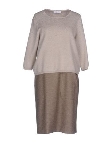 Tonet Knee-length Dresses