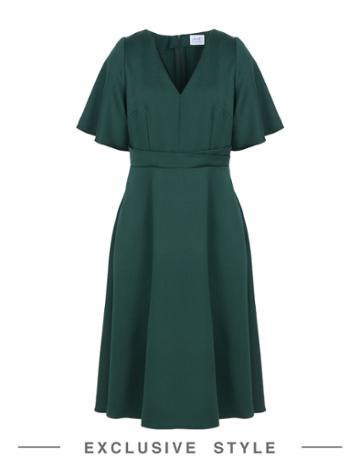 Iluut Knee-length Dresses