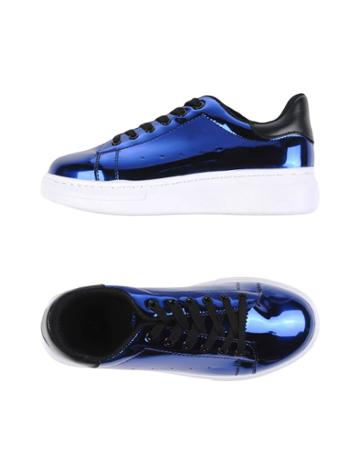 Tantra Sneakers