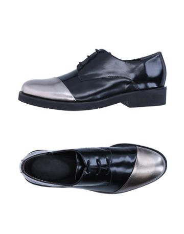 Mr. Wolf Sneakers