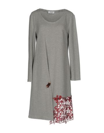 Nnigiani Knee-length Dresses