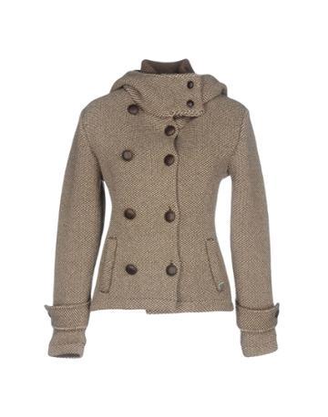 Nhav Coats