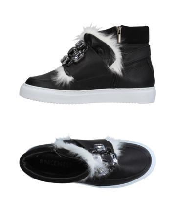 Nicemess Sneakers