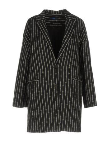 Le's Coats