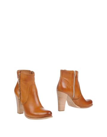 Osvaldo Rossi Ankle Boots