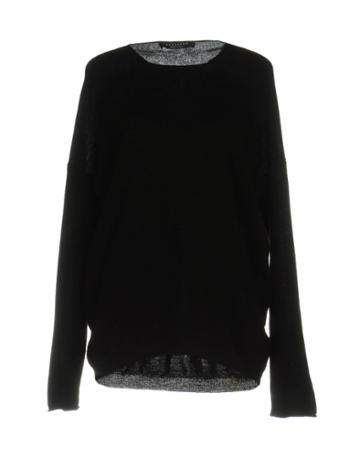 Eyeliner Sweaters